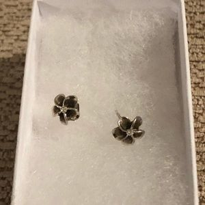 Flower sterling silver earrings